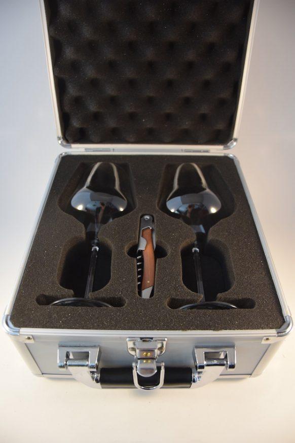 Travelcase - Koffer mit 2 Weingläsern und Korkenzieher